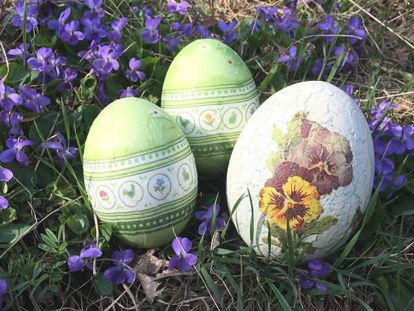 Easter Eggs by Tavaron
