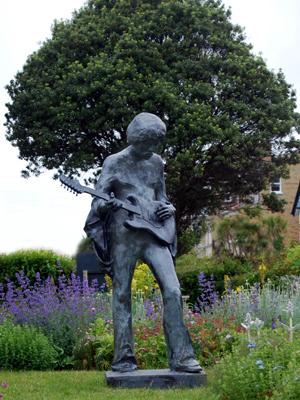 Jimi Hendrix statue commemorating the 1970 Isle of Wight Festival.