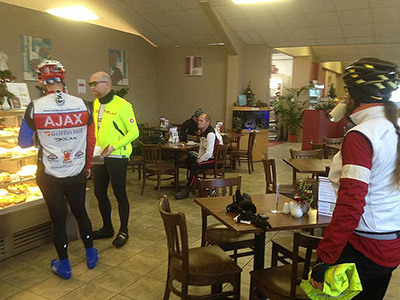 Audax riders stop for cake.