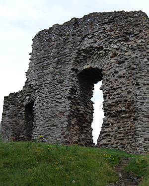 Christchurch Castle ruin.