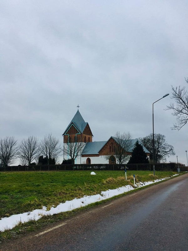 Arrow Church by