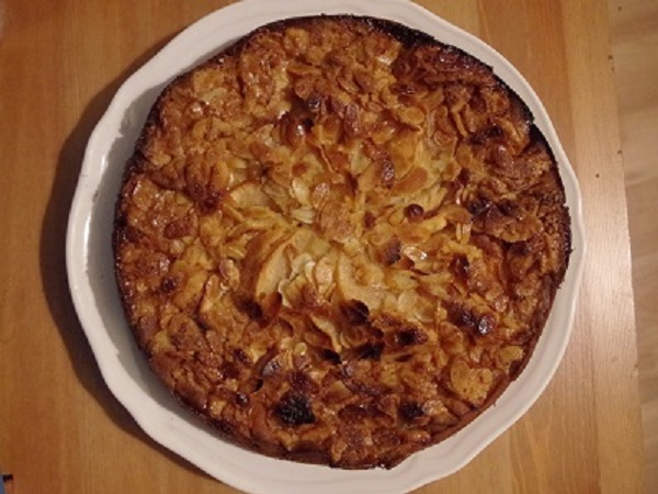 Apple and almond cake