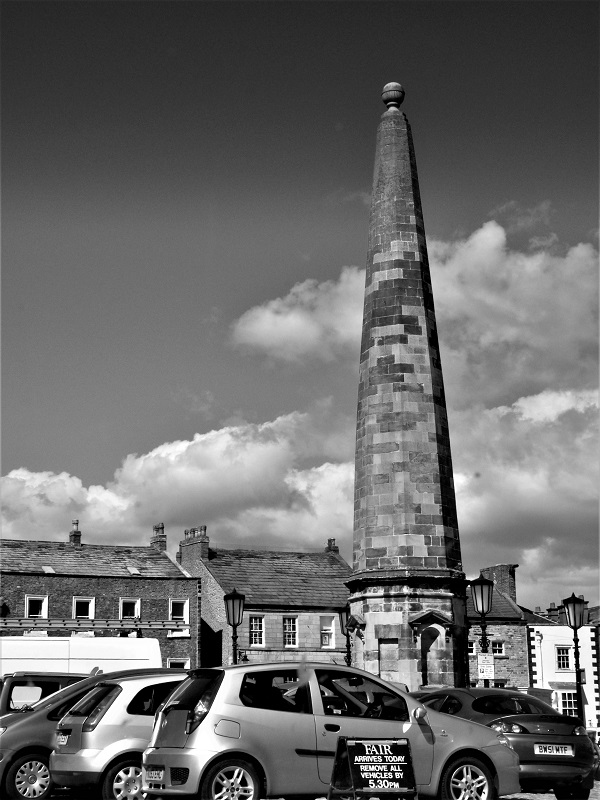 Obelisk, Richmond, Yorkshire by bobstafford