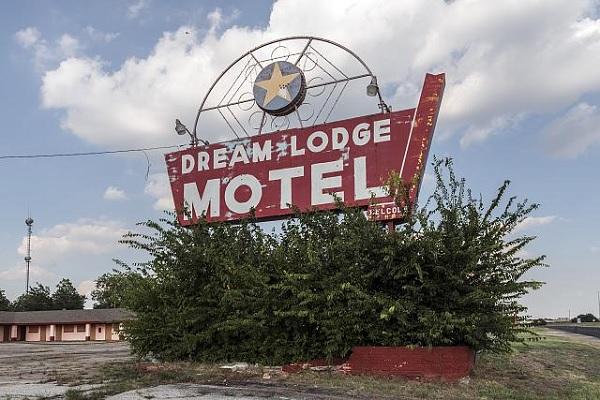 Dream Lodge Motel by Carol Highsmith