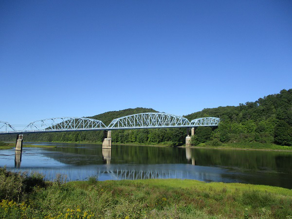 A bridge over the Allegheny River, by DG.