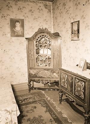 A furnished room
