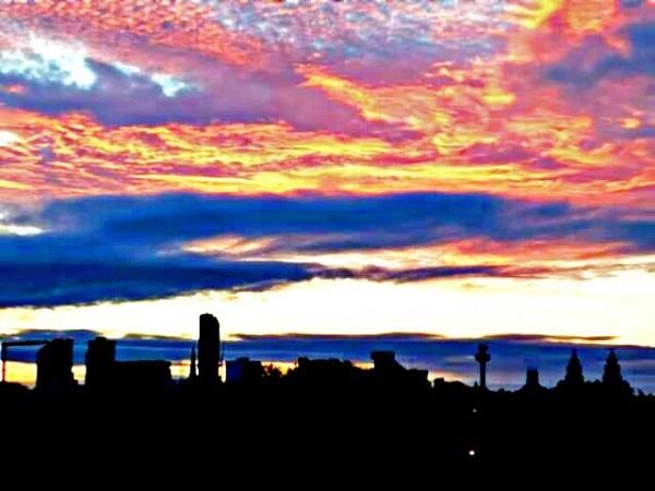 Beautiful sunrise over Liverpool by Freewayriding