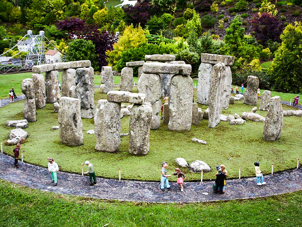 Galaxy Babe visited Babbacombe Model Village, and saw a miniature Stonehenge.