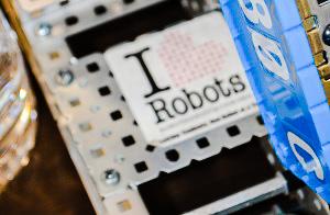 I heart robots.