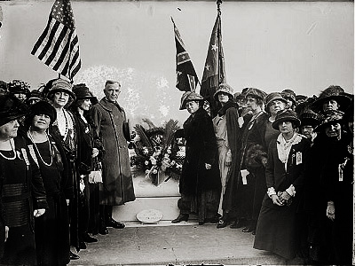 Daughters of the Confederacy in Arlington in 1923