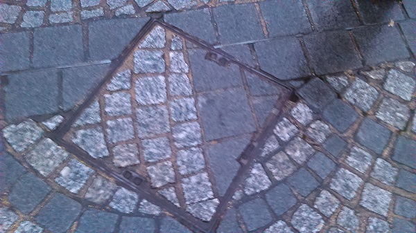 Shocking Picture of Mismatching Manhole Cover by Superfrenchie