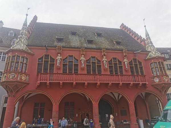 A beautifully decorated building in Freiburg, by Sho.