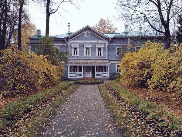 Tchaikovsky's House by Solnushka