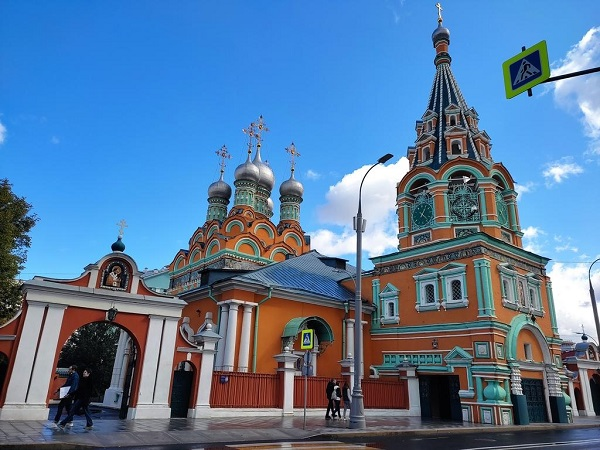 What to do when your church encroaches on the roadway. Elaborate Russian church also features an archway over the road.