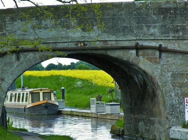 Low Bridge by bobstafford