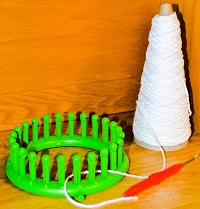 Equipment for making a washmitt.