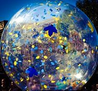 A parade globe