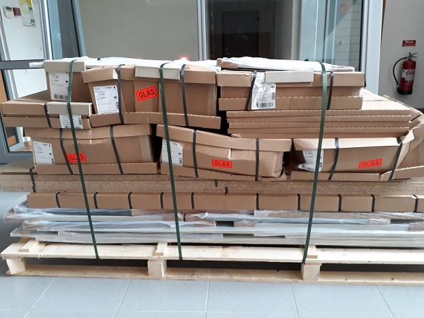 Glas Shipment by Milla
