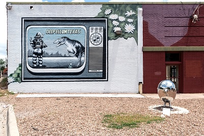 A science-fiction-themed mural photographed in Texas by Carol M. Highsmith.