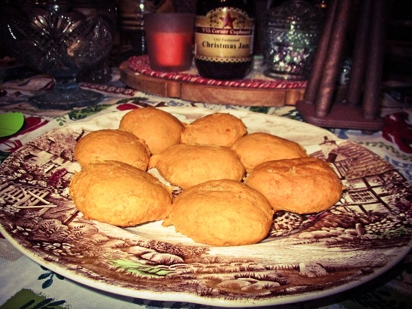 A plate of spiced pumpkin cookies