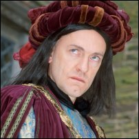 An actor in the role of Richard III.
