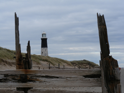 Spurn Point lighthouse, by Moonhogg