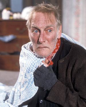 Wilfrid Brambell as fingerless glove-wearer Albert Steptoe