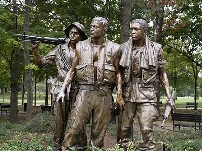 Vietnam War Memorial statue group, photograph by Carol M Highsmith.